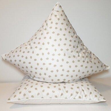 Ančių pūkų ir plunksnų pagalvė (90%-pūkų, 10%-plunksnų), 68x68 cm 2