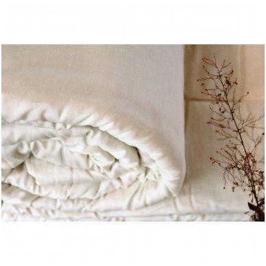 Vasarinė rankų darbo su vilnos užpildu antklodė, 220x240 cm 3