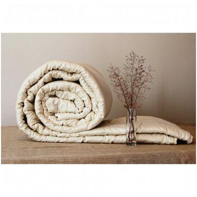 Vasarinė rankų darbo su vilnos užpildu antklodė (225 g/m²), 200x200 cm 2