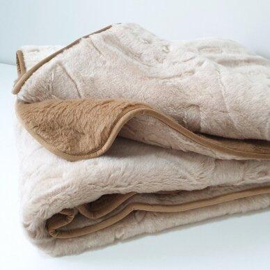 """Merinosų vilnos antklodė """"KAMILĖ"""" (dvipusė), 140x205 cm 2"""
