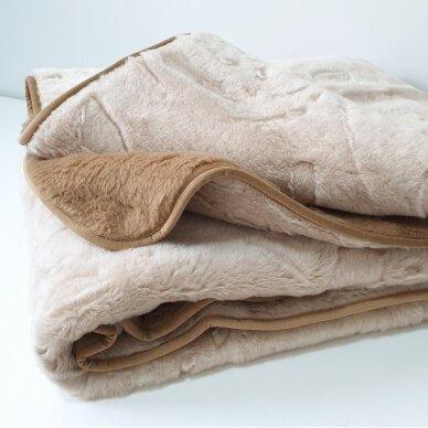 """Merinosų vilnos antklodė """"KAMILĖ"""" (dvipusė), 200x220 cm 2"""