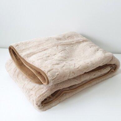 """Merinosų vilnos antklodė """"KAMILĖ"""" (dvipusė), 200x220 cm 3"""