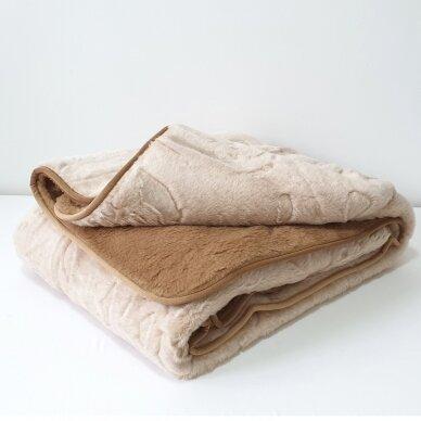 """Merinosų vilnos antklodė """"KAMILĖ"""" (dvipusė), 200x220 cm 4"""