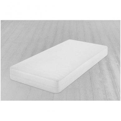 Neperšlampanti paklodė su guma (balta) 3