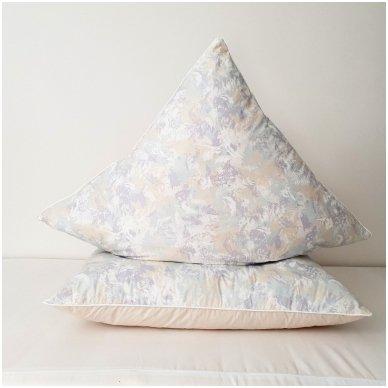Žąsų pūkų ir plunksnų pagalvė (15%-pūkų, 85%-plunksnų), 68x68 cm 2