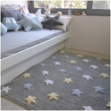 """Skalbiamas kilimas """"Spalvotos Žvaigždutės"""" (pilka/melsva)"""