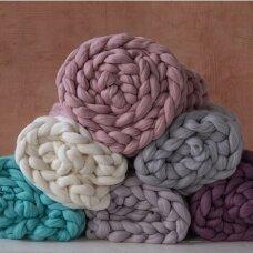 Storų siūlų vilnonis pledas (įvairių spalvų)