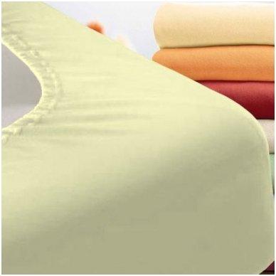 Trikotažinė paklodė su guma (dramblio kaulo)