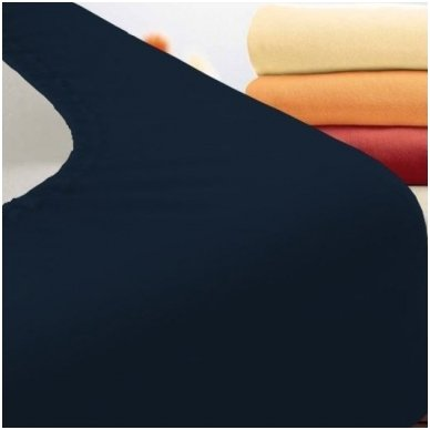 Trikotažinė paklodė su guma (tamsiai mėlyna)