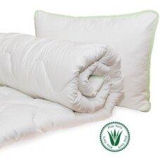 Universali antklodė Aloe vera (140x200 cm) + Pagalvė Aloe Vera (50x70 cm)