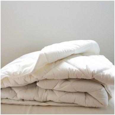 """Universali antklodė """"LENGVUMAS"""" 350g/m2, 140x205 cm"""