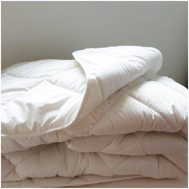 """Universali antklodė """"LENGVUMAS"""" 350g/m2, 200x220 cm 3"""