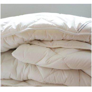 """Universali antklodė """"LENGVUMAS"""" 350g/m2, 200x220 cm 2"""