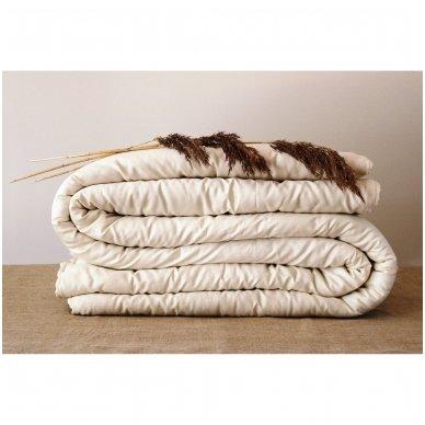 Universali rankų darbo su vilnos užpildu antklodė (450 g/m²), 150x200 cm 2
