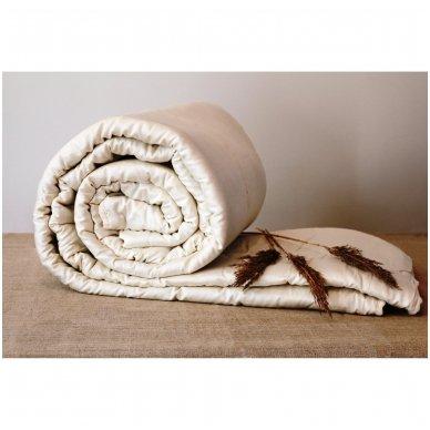 Universali rankų darbo su vilnos užpildu antklodė (450 g/m²), 200x200 cm 4