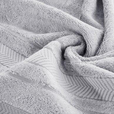 """Veliūrinis bambukinis vonios rankšluostis """"Runa"""" (sidabro) 2"""