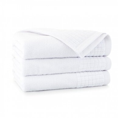 "Veliūrinis Egipto medvilnės rankšluostis ""Karla"" (baltas)"