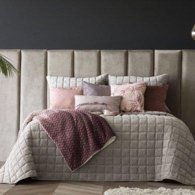 """Velveto lovos užtiesalas """"Marinel Beige"""", 250x270 cm (pilkšvai smėlinė) (su pagalvių užvalkaliukais)"""