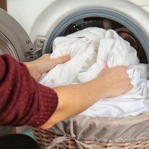 Tekstilės gaminių priežiūros etiketės ir simboliai - ką verta žinoti?