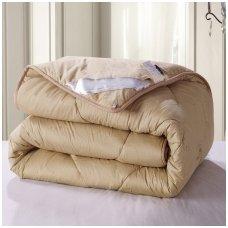 Žieminė antklodė su kupranugario vilnos užpildu (450 g/m²), 200x200 cm