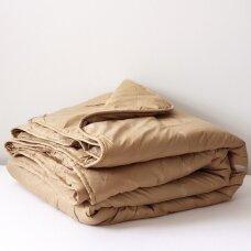 Žieminė antklodė su kupranugario vilnos užpildu (450 g/m2), 220x240 cm