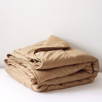 Žieminė antklodė su kupranugario vilnos užpildu (450 g/m2), 200x220 cm
