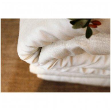 Žieminė rankų darbo su vilnos užpildu antklodė, 140x200 cm 3