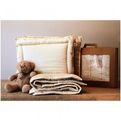 Žieminė rankų darbo su vilnos užpildu antklodėlė, 100x130 cm 4